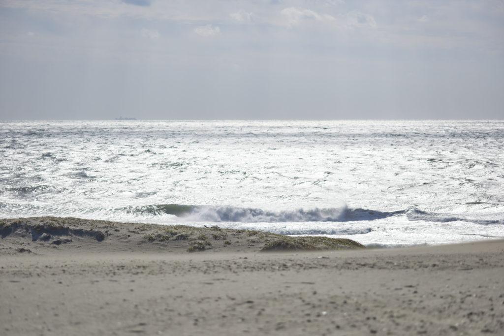 105D 逆光の海